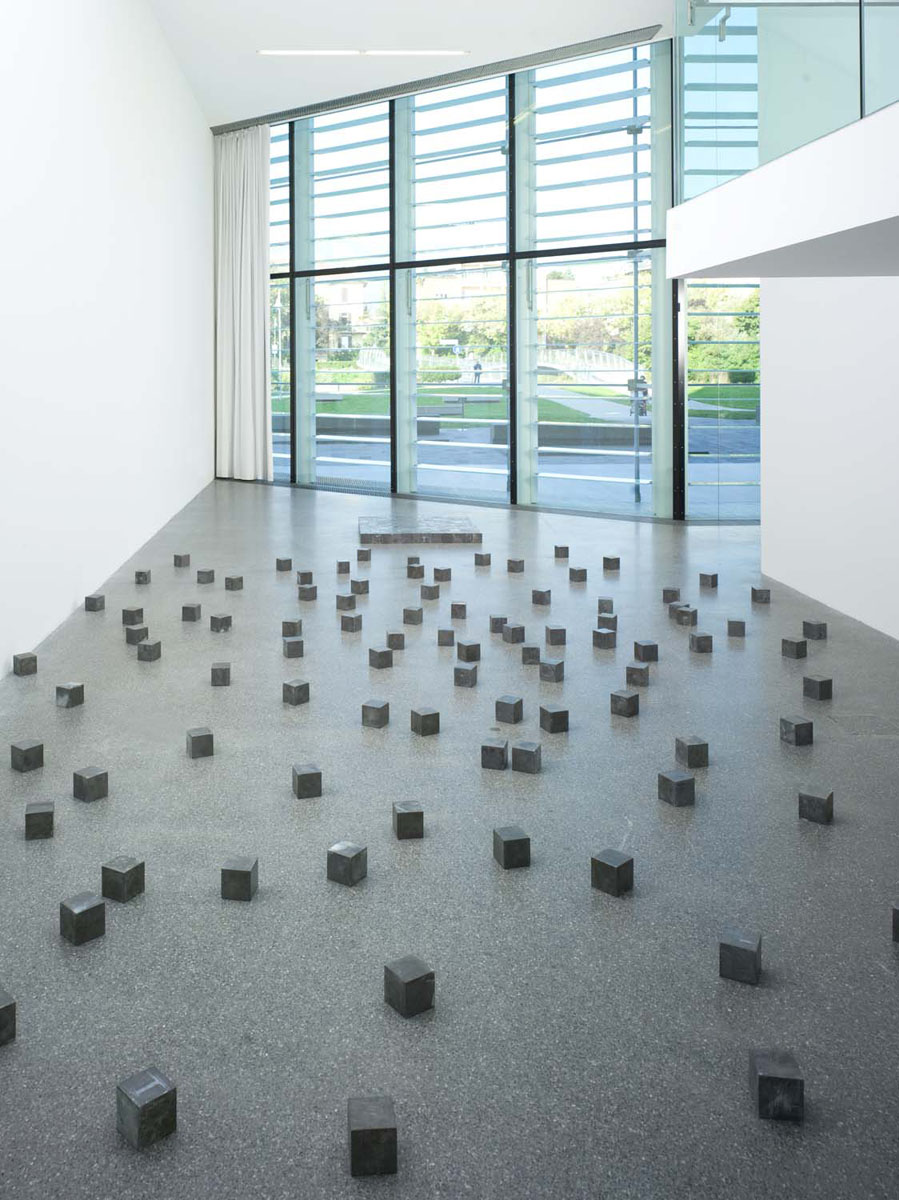 Museion carl andre museion for Minimal art opere
