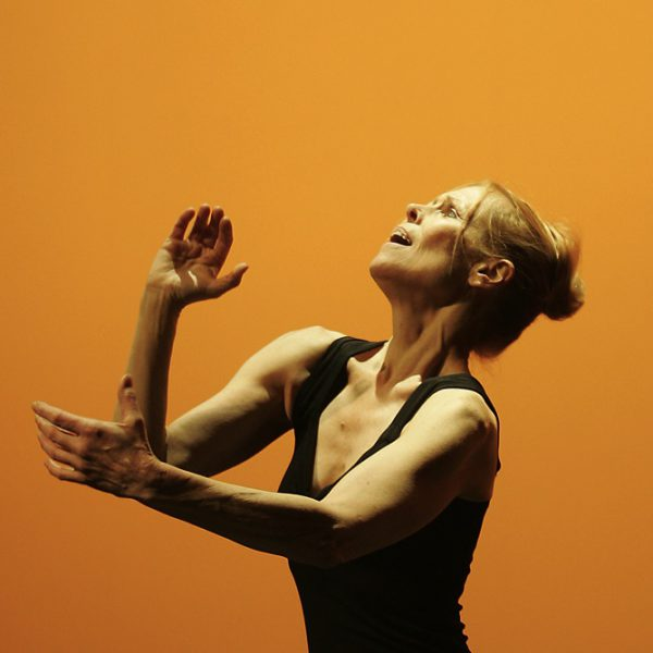 Carolyn Carlson, Immersion. Foto Laurent Philippe